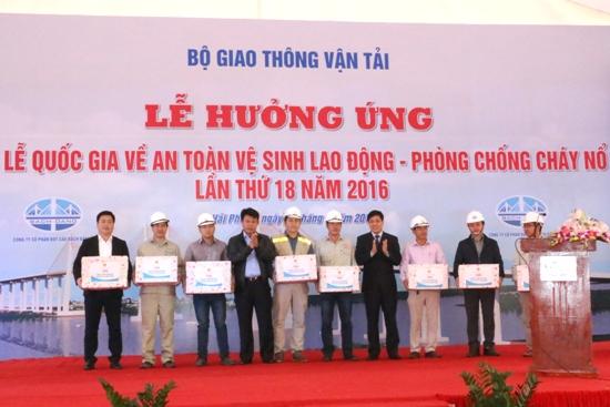 Phát động thi đua, hưởng ứng Tuần lễ quốc gia về ATVSLĐ – PCCN lần thứ 18 năm 2016